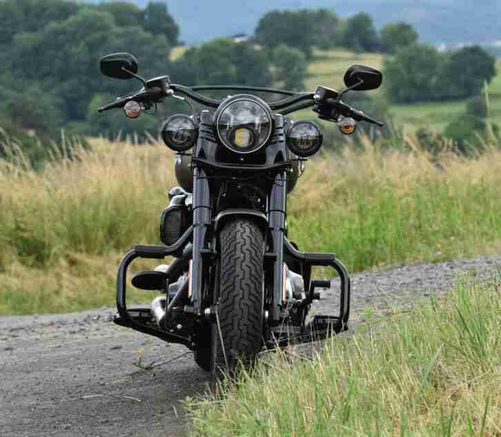 Harley Davidson Slim S Softail FLSS 1.Hd. 5tkm 1A Zustand