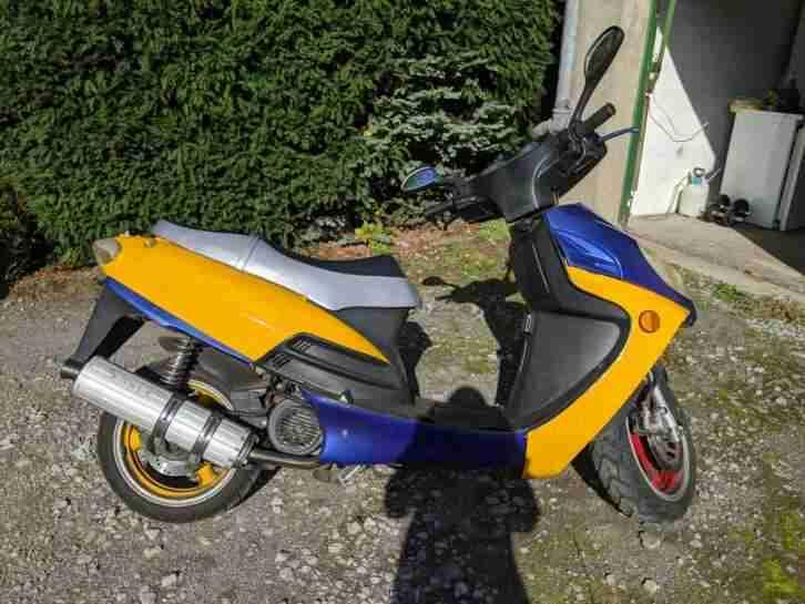 125 ccm Motorroller der Marke OMI