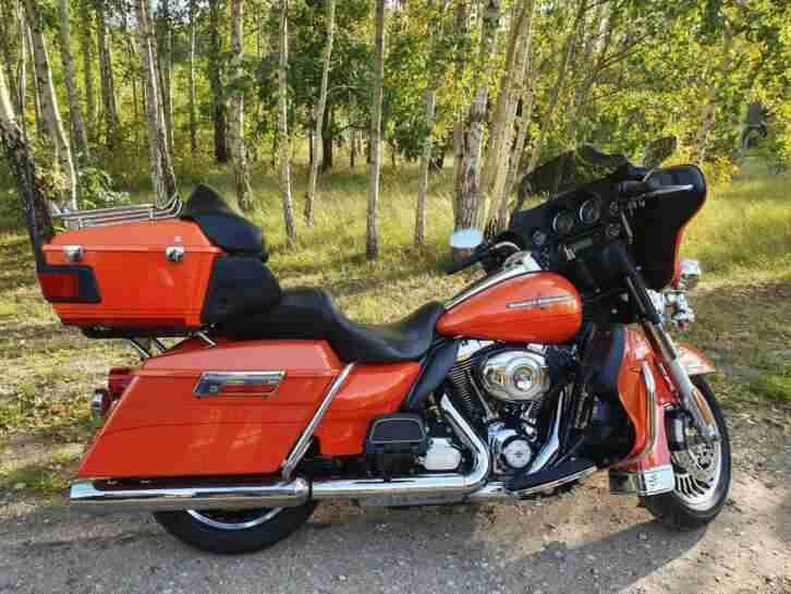 2012 Harley Davidson FLHTK Electra Glide Ultra Limited Touring