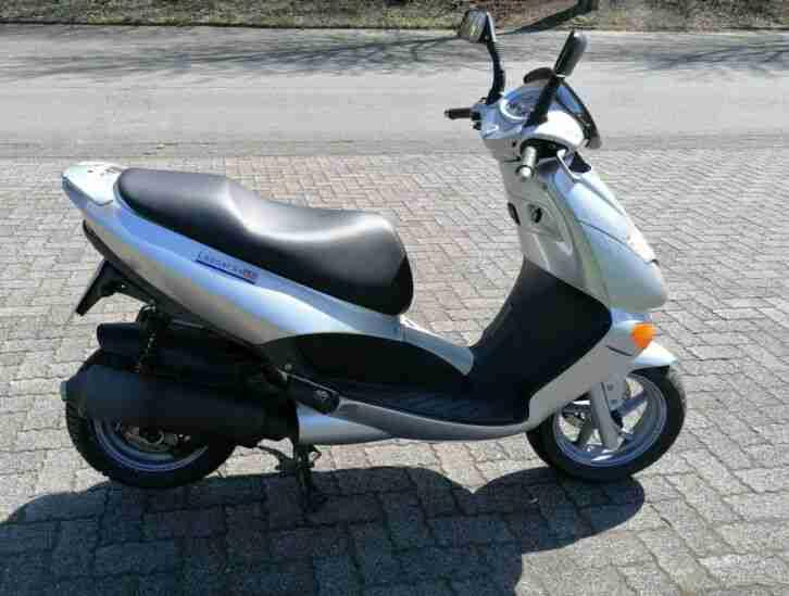 Roller Aprilia Leonardo 150 draufsetzen und losfahren Motorroller Scooter