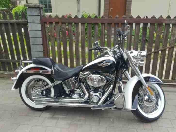 Harley Davidson Softail Deluxe FLSTNI 8390 miles