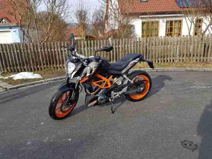 390 KTM Duke #PREIS VB# !(nur 1716 km)! Schaut einfach rein:)