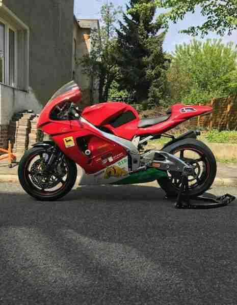 Aprilia RSV Mille RP 1000 AMANN Dusche Rennmotorrad