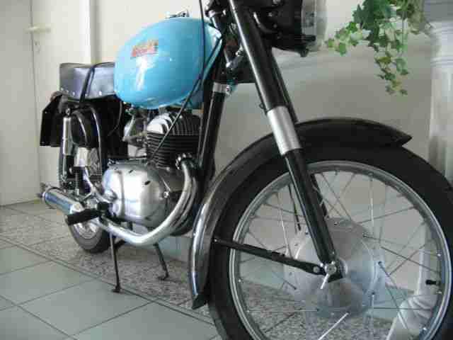 bianchi motorrad oldtimer 125 ccm top bj 1960 bestes angebot von old und youngtimer. Black Bedroom Furniture Sets. Home Design Ideas