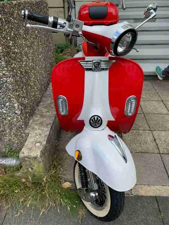 DREEMS Amalfi Retro eScooter Motorroller