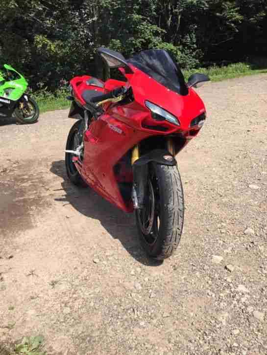 Ducati 1098S mit nur 3.800km, Carbon Termignoni