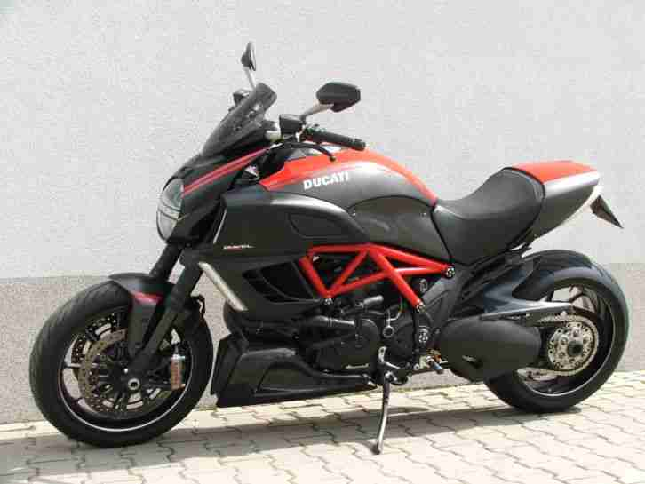 Ducati Diavel Carbon Edition 2011