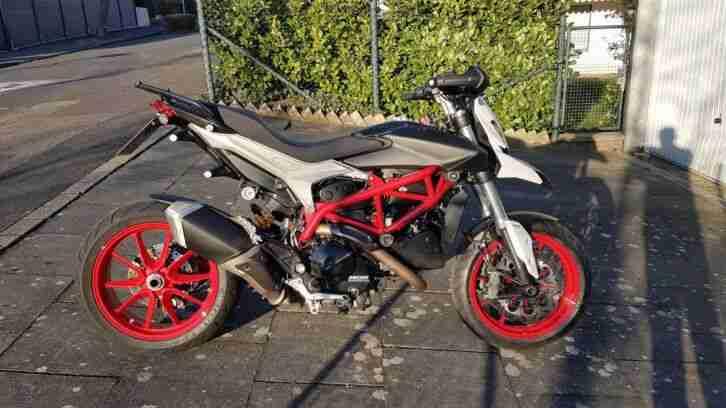 Ducati Hyperstrada 821 Sonderfarbe
