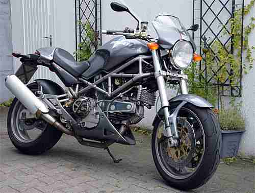 "Ducati MONSTER 900 S i.e. in ""Senna Grau"""