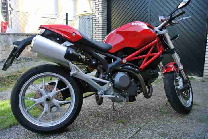 Ducati Monster 1100 - Top Zustand
