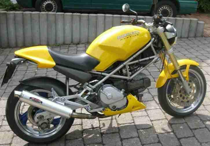 Ducati Monster 600 sehr schöner Zustand viele Extras