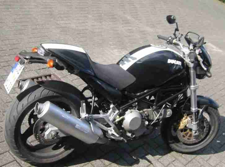 Ducati Monster 900ie