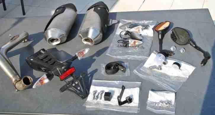 Ersatzteile Konvolut für Triumph Speed Triple 1050