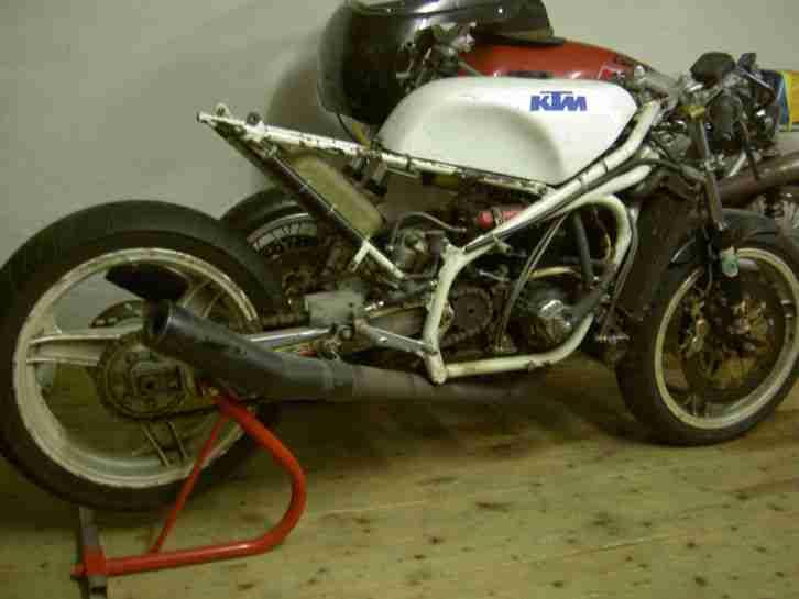 Felber KTM Rennmotorrad SOS mit seltener Straßenzulassung Classic racer LC4