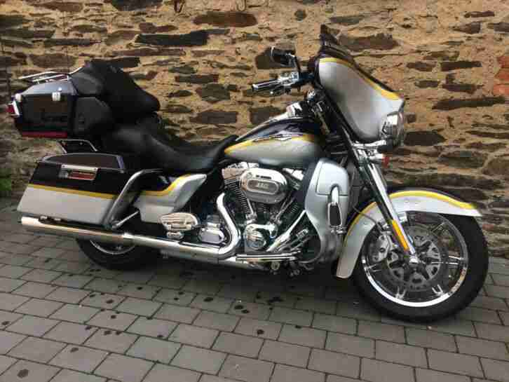 Harley Davidson Electra Glide FLHTCUSE7 Screamin Eagle
