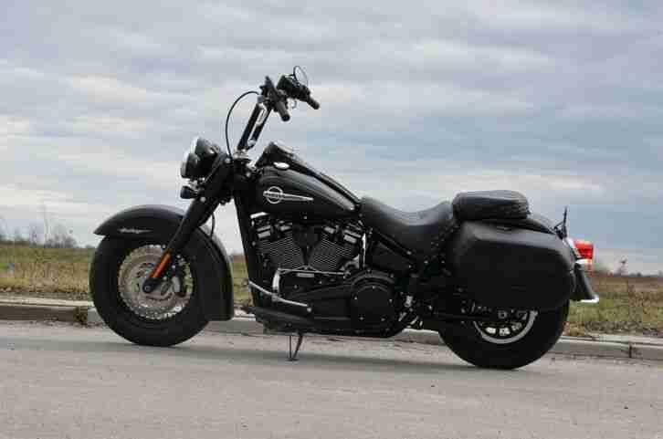 Harley Davidson FLHCS Softail Heritage 114 2018 Black