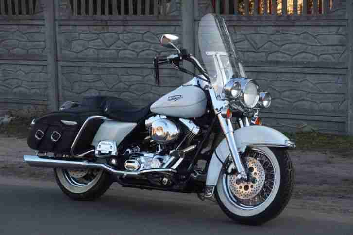Harley Davidson FLHRC 2002 Roadking Classic