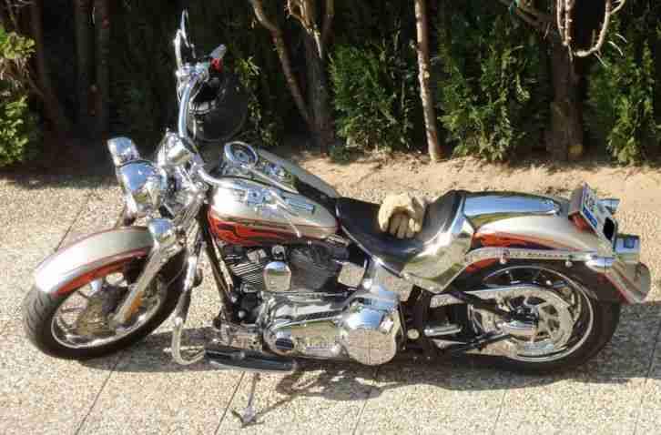 Harley Davidson Fat Boy CVO Screamin Eagle FLSTFSE 2
