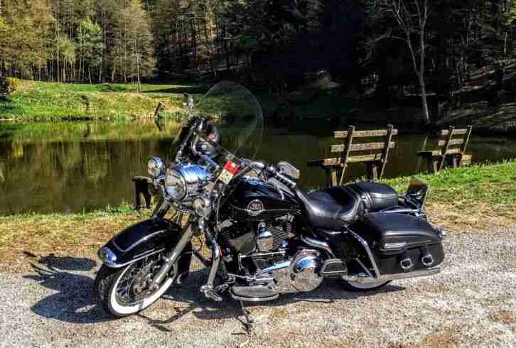 Harley Davidson Road King FLHX Top-Zustand