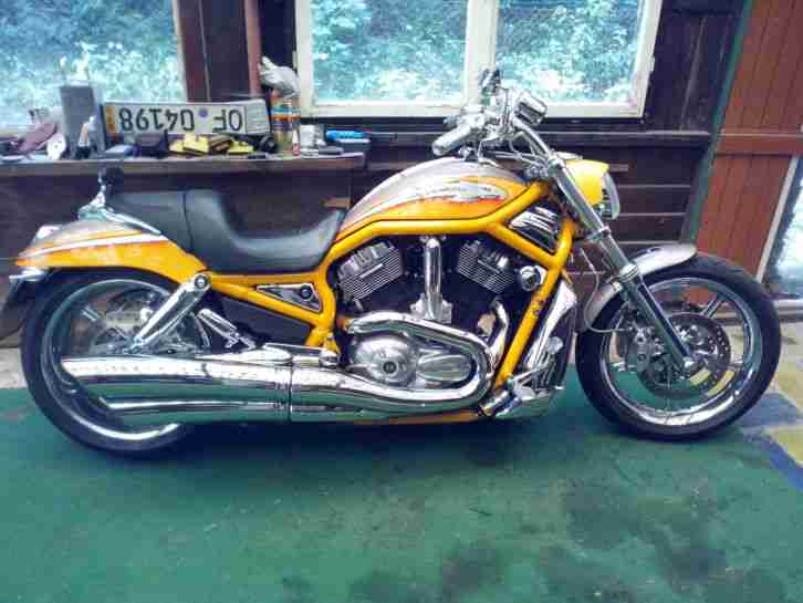 Harley Davidson Screamin Eagle CVO V Rod