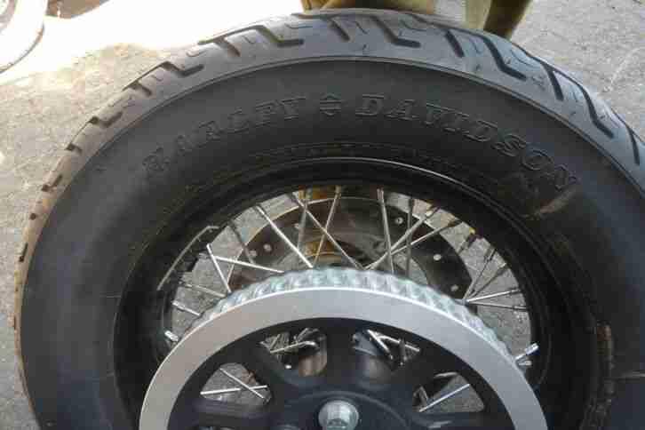 Harley FXS Blackline 1x Satz Speichenrader mit Reifen, Bremsscheibe u. Antrieb
