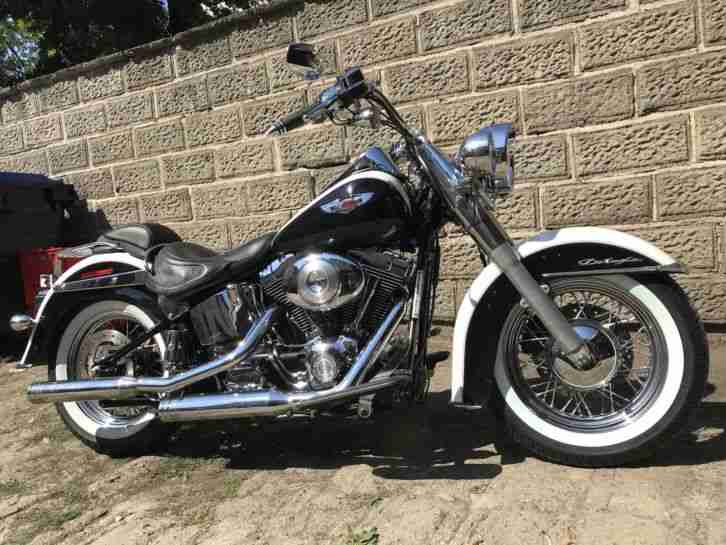 Harley Softail Deluxe FLSTNI