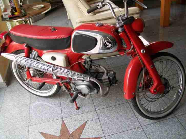 Honda C 110 1961 Elvis Presley