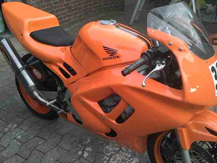 CBR 600 F PC 31 Rennmaschine mit Brief
