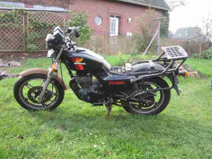 Honda FT500 PC07 Teilespender Scheunenfund defekt