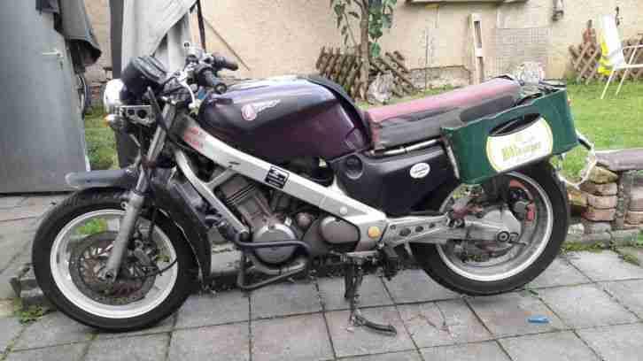 Honda NTV 650 Ratte Winterbike ehemal Gespann Maschine ohne Seitenwagen Beiwagen