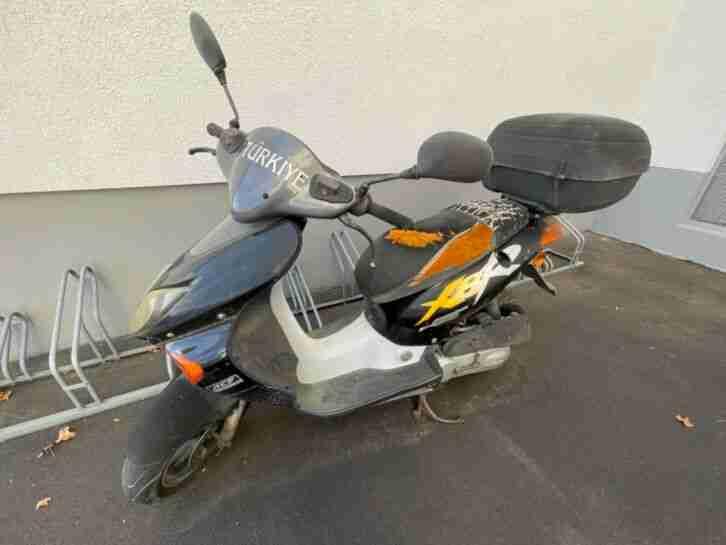 Honda SZX50 s x Bj. 2001 Km. 12101 mit Helmkoffer Gebraucht nur Abholung