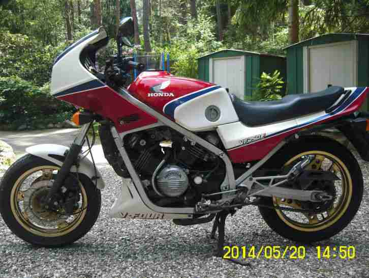 VF 750 F RC 15 Km: 52570