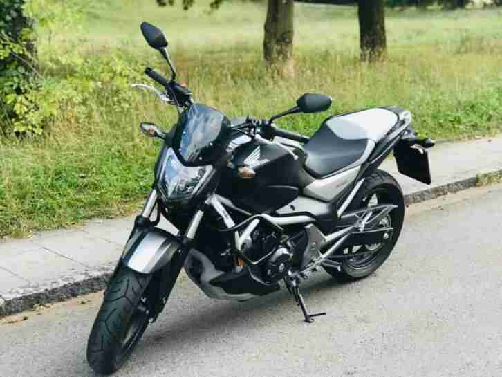 HondaNC750S naked 2016 sportlicher Look, in Graphite Black, Matt Pearl Glare Whi