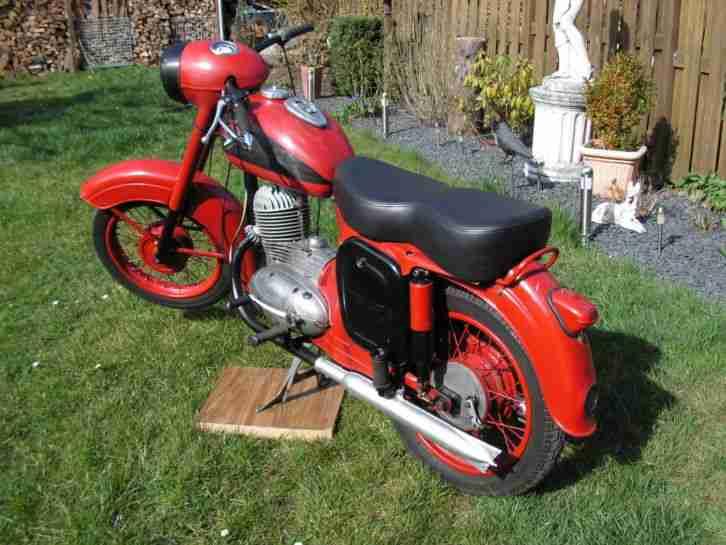 jawa motorrad bestes angebot von old und youngtimer. Black Bedroom Furniture Sets. Home Design Ideas