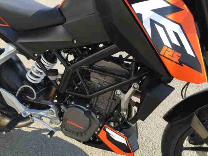 ktm duke 125 bj 05 2012 1 hand 18300 km bestes. Black Bedroom Furniture Sets. Home Design Ideas