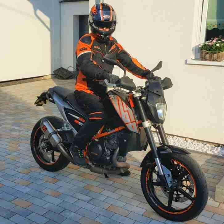 KTM Duke 690 R Akrapovic