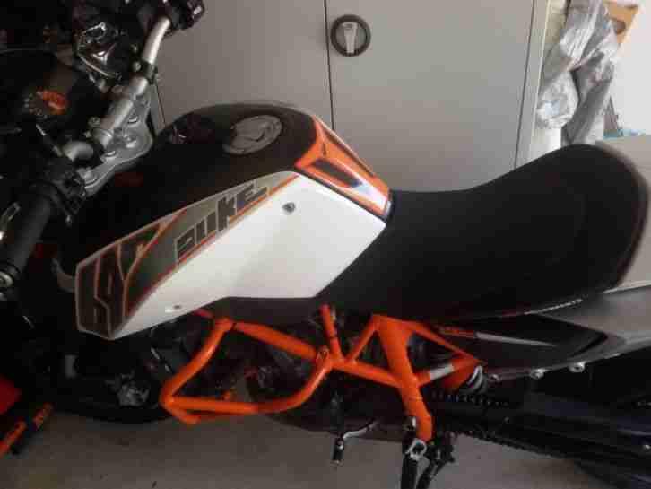KTM Duke IV 690 Bj 2012 ABS etliche Powerparts Rechnungen Scheckheft BikeTower