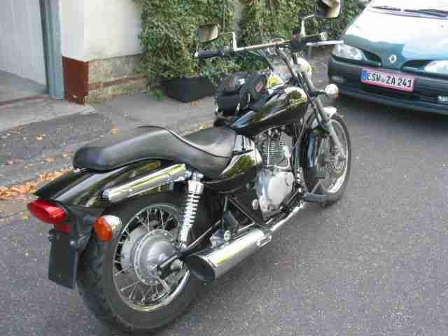 Kawasaki Eliminator 125 ccm Top Zustand lesen