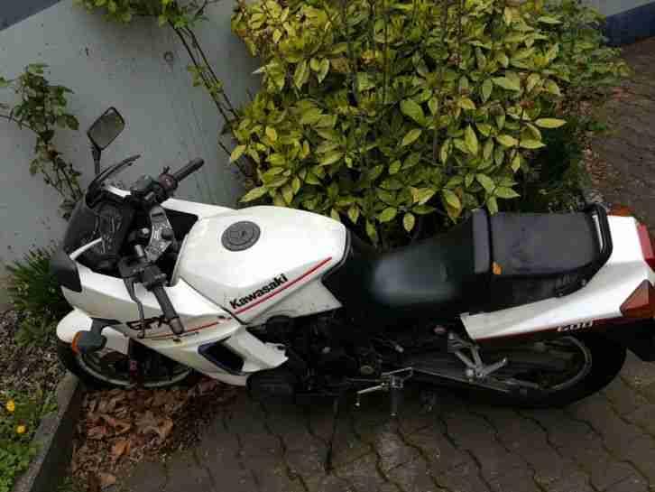 Kawasaki GPX 600 R (ZX600A) nicht fahrtüchtig defekt TÜV bis 05 18
