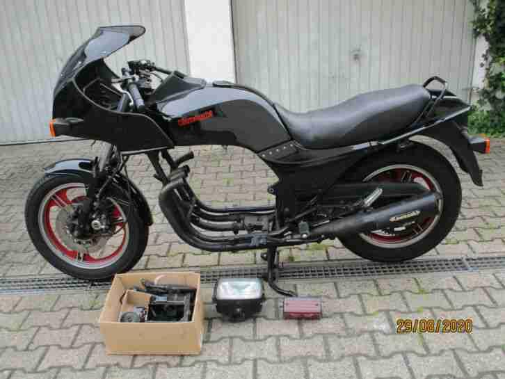 Kawasaki GPZ 1100 UT KZT 10 B zerlegt 15.000 km, für Bastler oder Teileträger