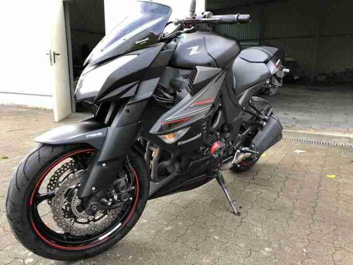 Kawasaki Z1000 Black Edition