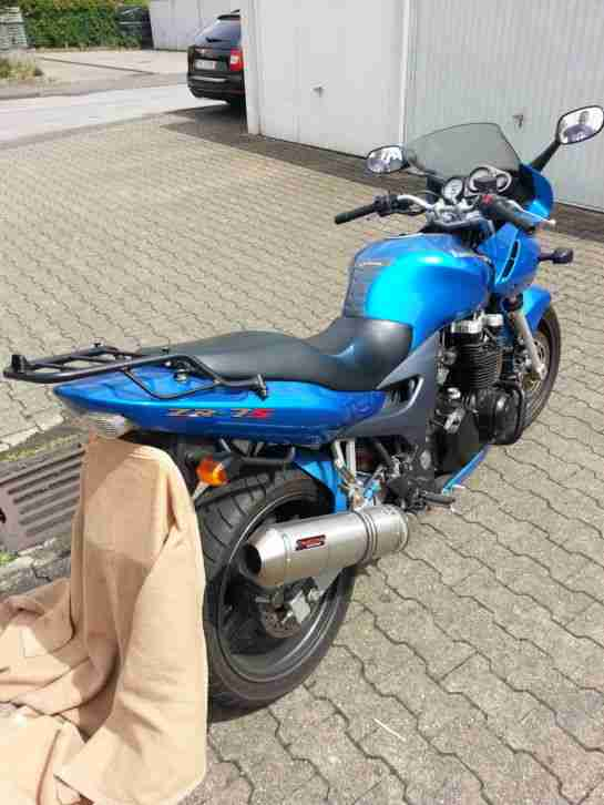 Kawasaki ZR 7 S mit Givikoffer, Griffheizung - Bestes