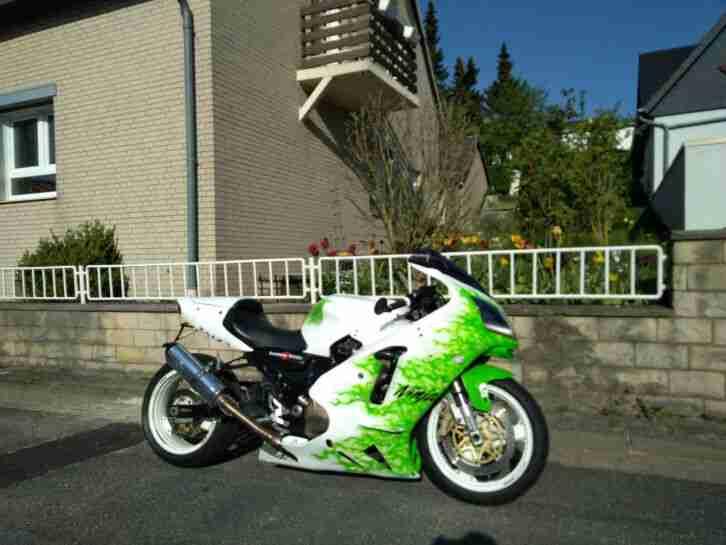 Kawasaki ZX12R Ninja Dragster ProStreet ZX 12R Airbrush 2. Bike Rolling Chassis