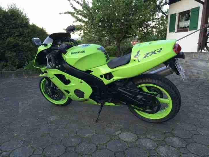 Kawasaki ZXR 400 ZX4R Tuv Neu Wenig KM Top