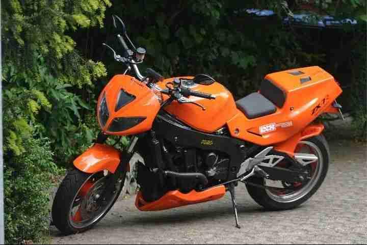 Kawasaki ZXR 750 Custom Streetfighter Einzelstück in orange, siehe youtube Video