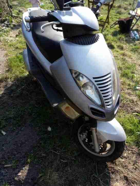 Kymco Dink 125ccm Motorrad 25000km silber Bastlerfahrzeug