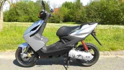 MBK Nitro Roller Scooter Motorroller 49ccm 50er wie Yamaha Aerox Mofa 25 er