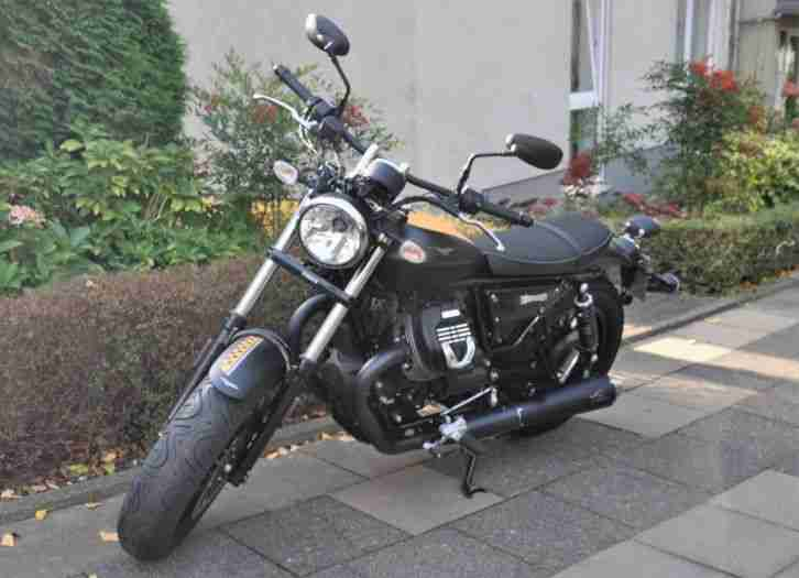 Moto Guzzi V9 Bobber LIEBHABERSTÜCK