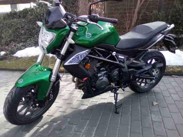 Motorrad Benelli BN 302 I NEUFAHRZEUG