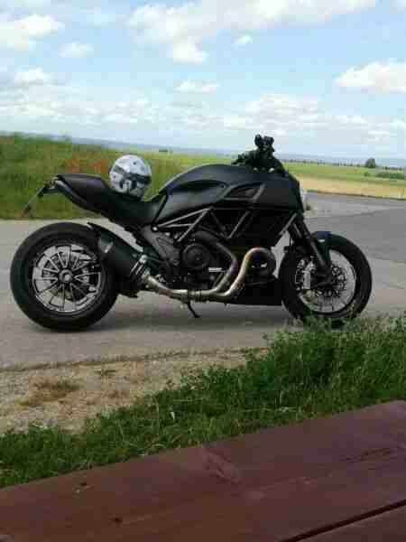 Motorrad, Ducati Diavel